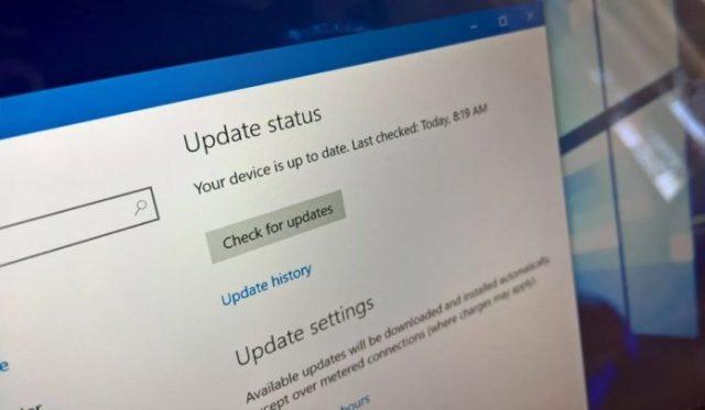 Windows 10 KB4103727 installation issues