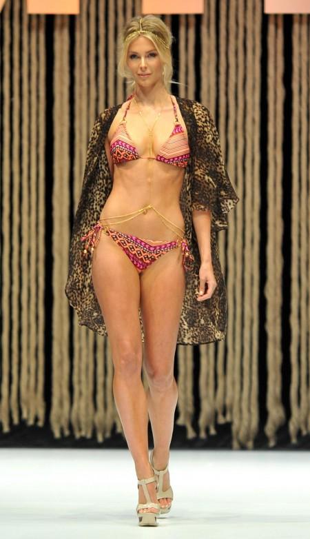 Full Body Girl Wallpaper Jennifer Hawkins Legs Windows Mode