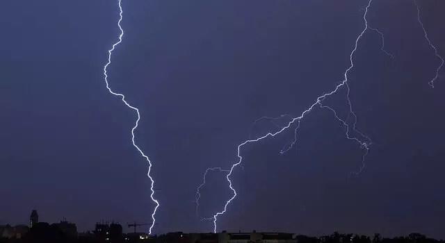 Hitzegewitter: Die Gefahr für Elektrogeräte 0