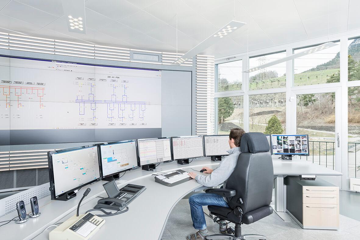 hight resolution of digital substation control center