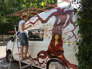 Bus-Gesichterbaum (10)