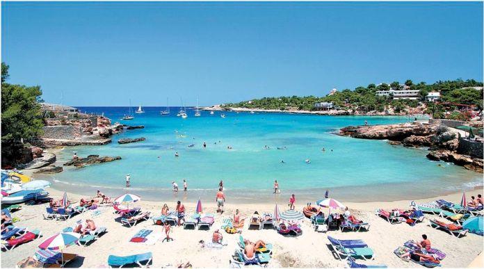 Plage Cala Portinatx Ibiza