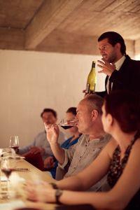 Belgian Sommelier of the Year Gianluca Di Taranto presenting the Luberon wines.