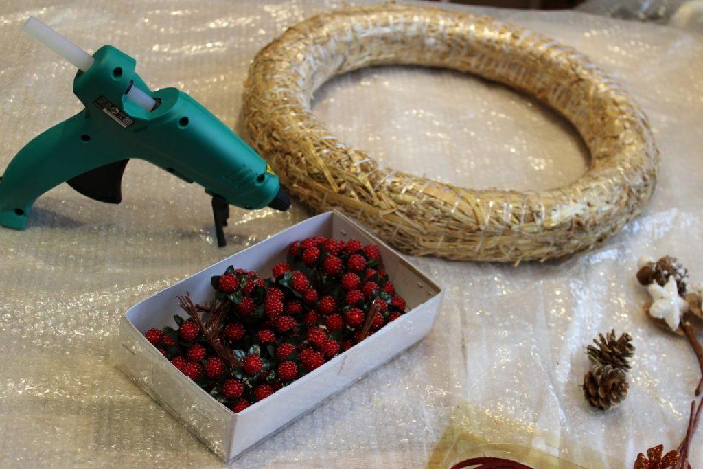 Wine cork wreath materials