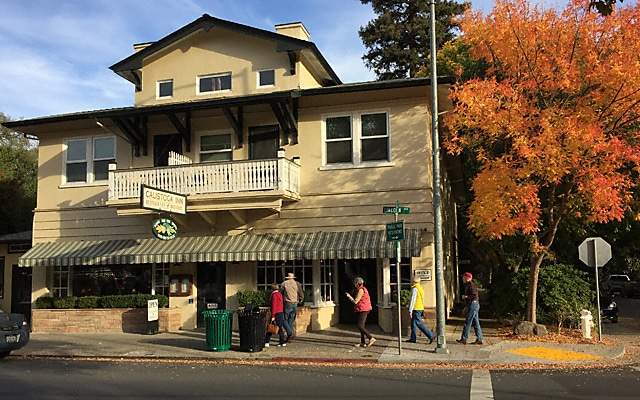 Calistoga Inn on Lincoln Avenue in Calistoga