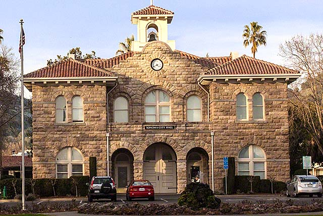 Sonoma plaza city hall