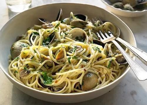 spaghetti-alle-vongole-in-bianco