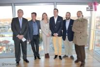 Ponentes y autoridades desde el Mirador del Museo Torre del Vino