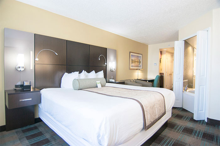 hotels with full kitchens in orlando florida kitchen remodel las vegas hotel rooms wingate by wyndham airport king jacuzzi suite
