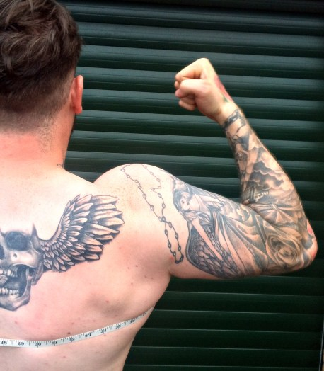 Dan Back Muscle Dysmorphia www.wingitwithjade.com