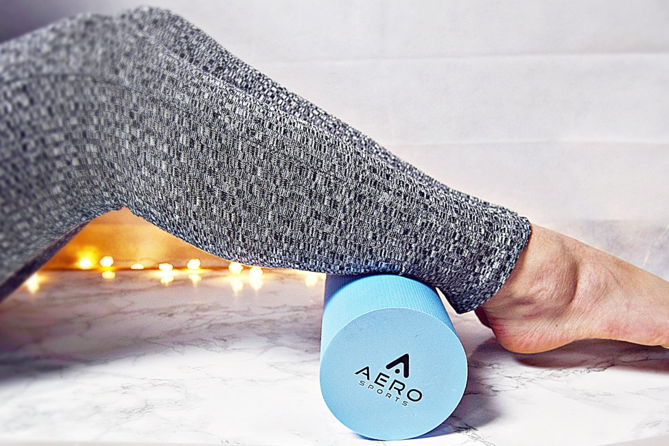 Full Body Workout with Aero sports foam roller at home www.wingitwithjade
