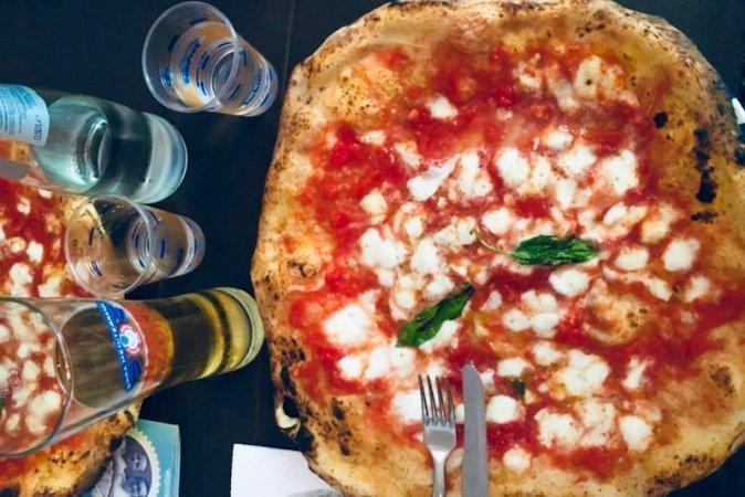 Pizzeria Gino Sorbillo 10 cose da fare a Napoli