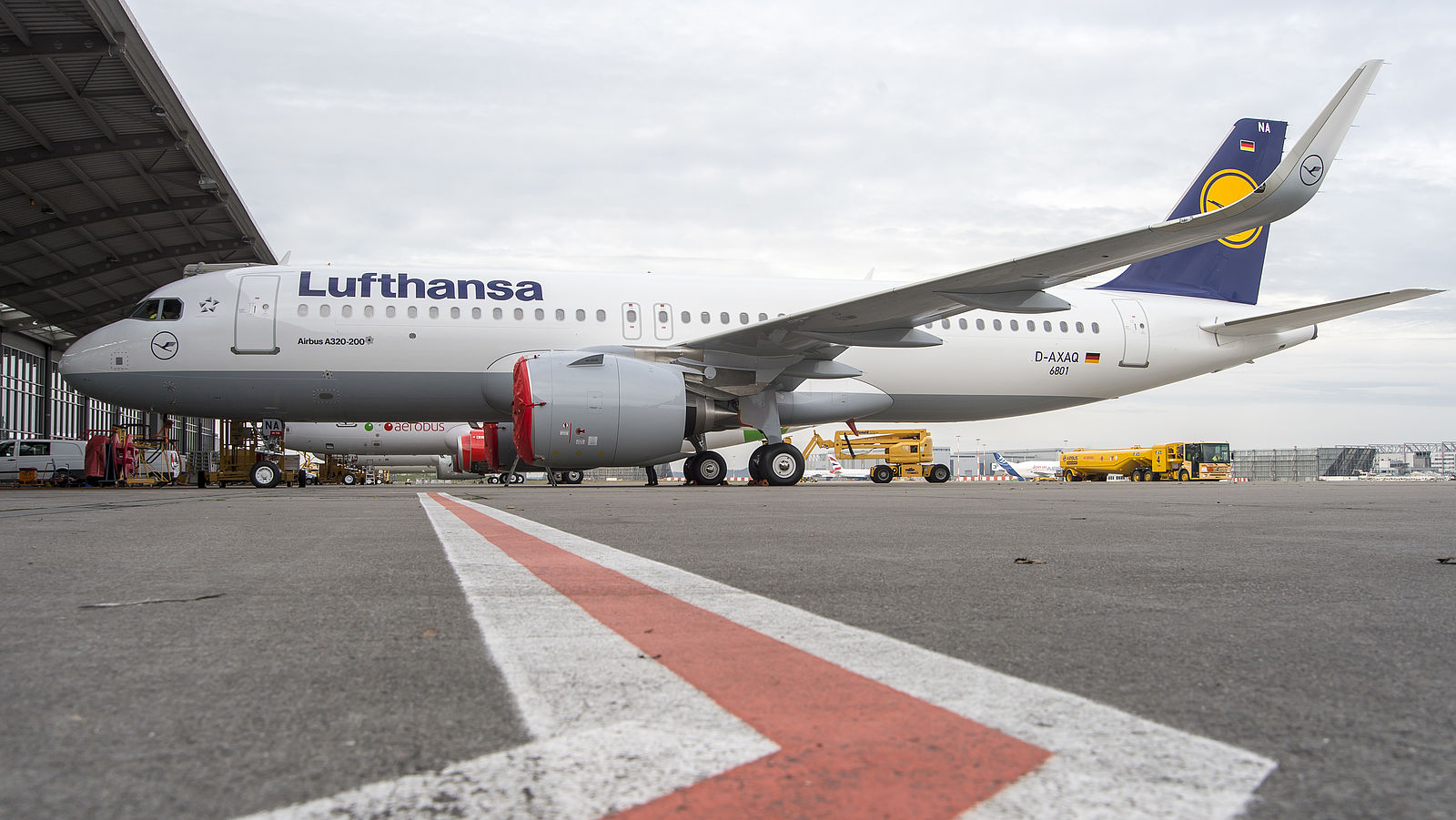 hight resolution of lufthansa airbus a320neo