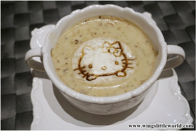 hello-kitty-cafe-8