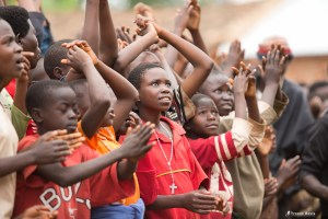 Children in Burundi. Wings of Hope for Africa Foundation. Photo republished under a Creative Commons license. Author: Troens Bevis