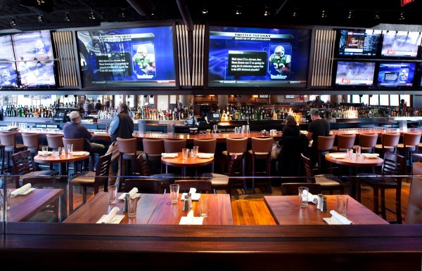 Sports Bar and Restaurant Design Ideas