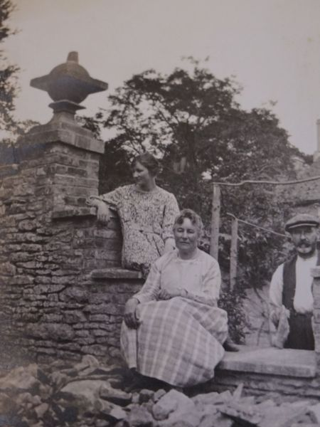 Lois (top) with her mother and the gardener George Kirk, 1920s