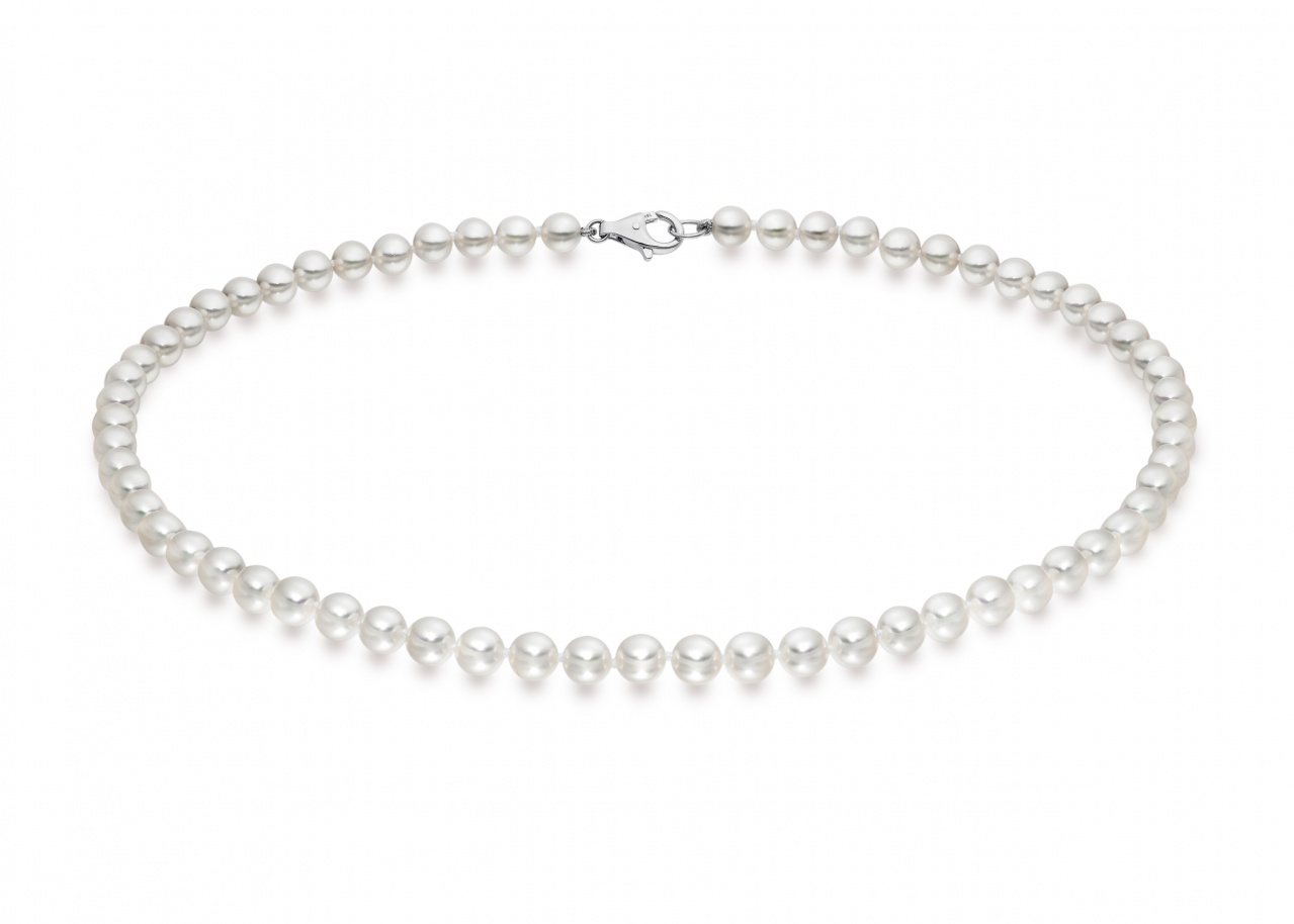 Single Strand White Akoya Pearl Necklace with 18ct Gold