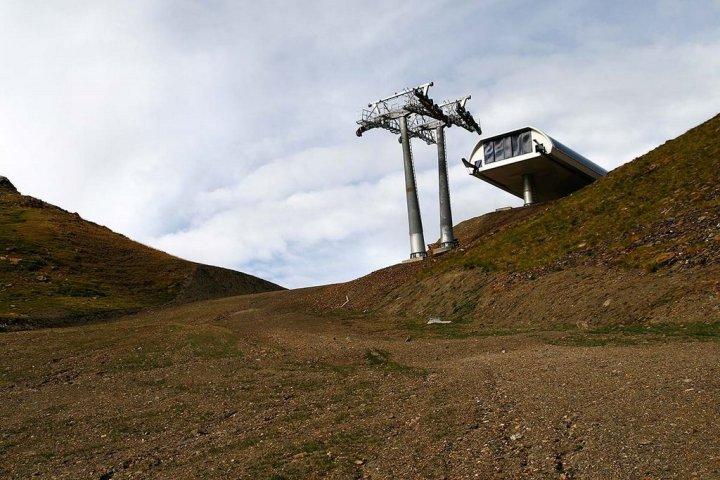 Verlaten skigebied Espui in Spanje