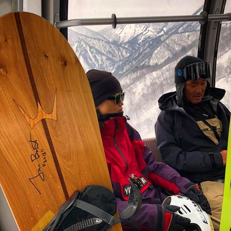If you are lucky enough to be riding a Winterstick, autographed by Tom Burt, in Japan, you are very lucky indeed. Photo: @creditracing  #winterstick #ArtOfTheTurn #snowboarding #tomburt