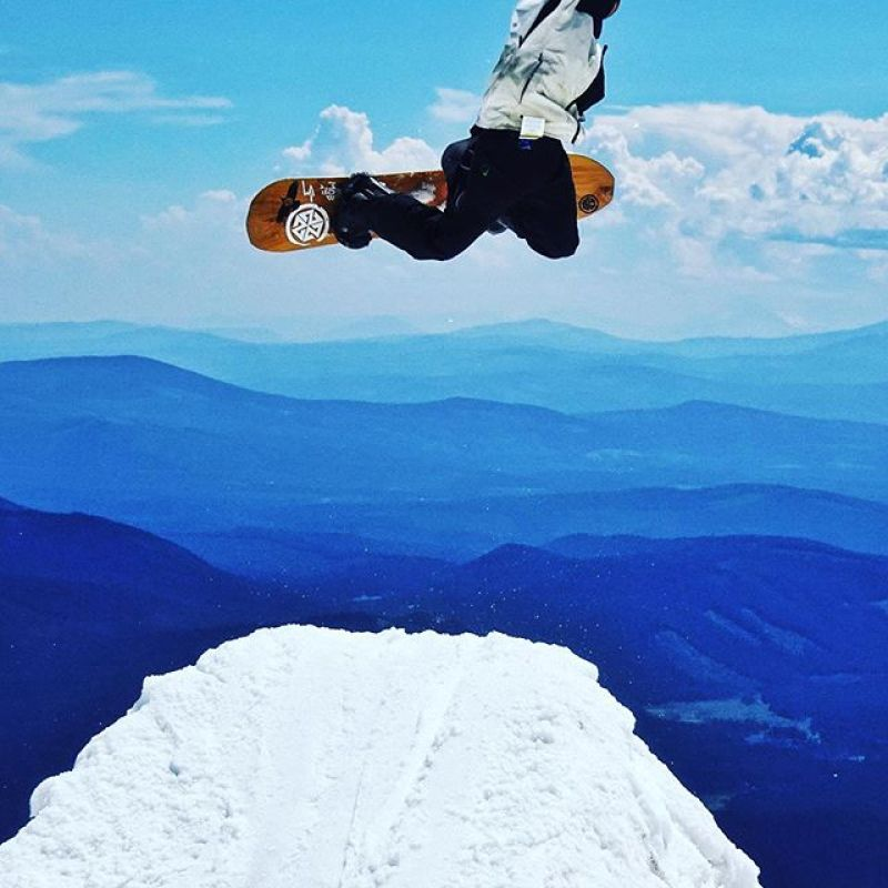 @robkingwill enjoying the summer slush at Mt. Hood on his ARK 158.  Need a new board for next winter?  Check out www.winterstick.com and step up to the best ride you'll ever own. #winterstick #snowboarding