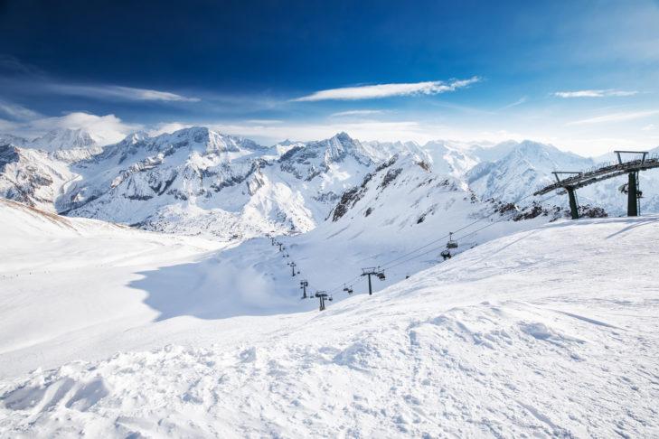 Uitzicht op het skigbied Adamello Ski.