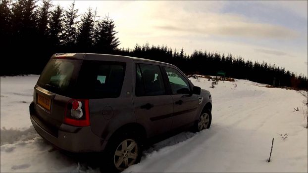 Testing General Grabber-ATs on Land Rover Freelander 2 in the Snow of Scotland