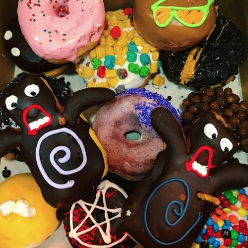 Voodoo-Doughnut-CityWalk-Hollywood-20170602-Holly-Madison-Instagram-Map-c6199d651a4e9ceff76750a1adf1711b