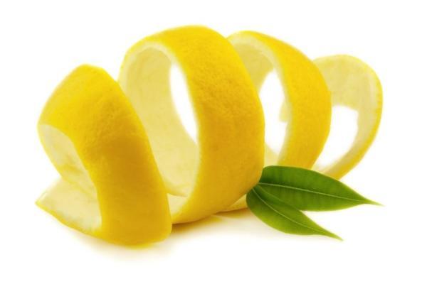 Ciambellone al limone & rum con glassa al limone