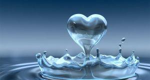 """Il desiderio di emozioni e la paura del legame, l' """"amore liquido"""" di Bauman"""