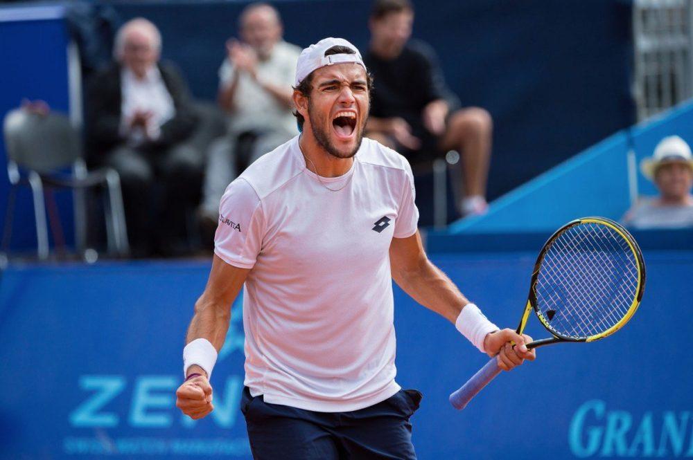 Tennis, Berrettini elimina Zverev agli Open d'Italia