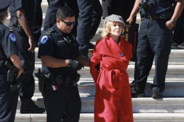 """Jane Fonda arrestata. """"In pochi minuti"""", con Beatrice Manca"""