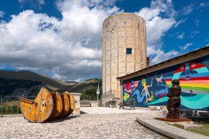 """""""Le città dei murales"""": Aielli, il Borgo Universo"""