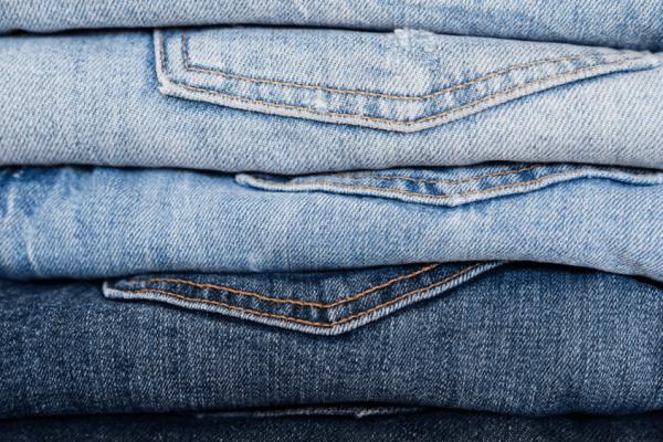 Rifle in fallimento: jeans, felpe e giubbotti a solo 2 euro