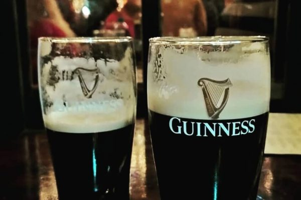 Una pinta di Guinness all'Irish Pub