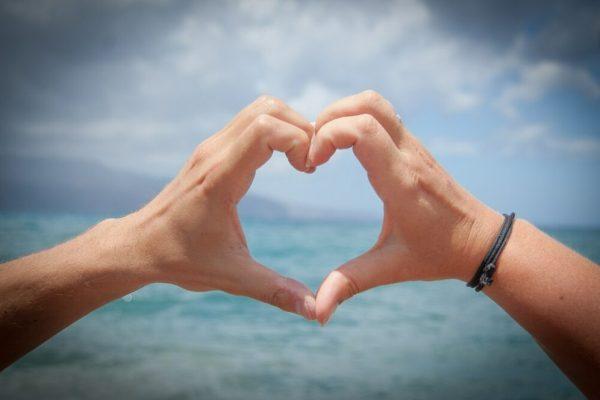 Innamorarsi di più persone contemporaneamente