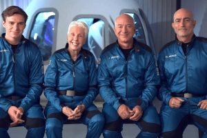 Jeff Bezos, volo riuscito: atterrata la capsula nel Texas