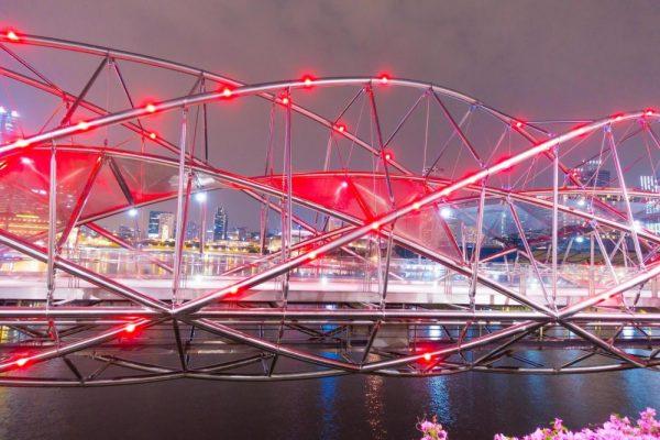 Viaggio fra i ponti più strani del pianeta