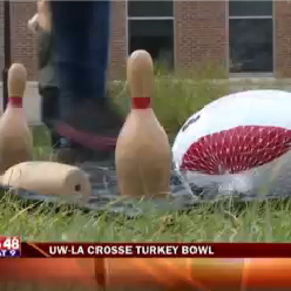 Butterball Bowling Ball-20151019220455_1447993873432.png