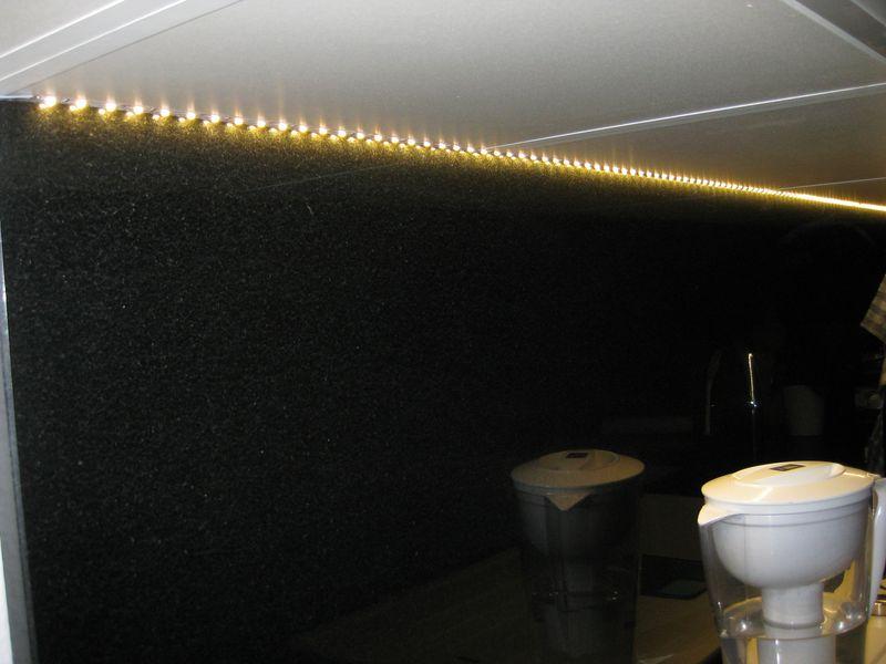 aiboo Kabellose LEDKche unter Unterschrank Beleuchtung dimmbar mit RF Controller UKStecker