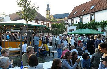 Am Wochenende lädt Nackenheim zum Weinfest.