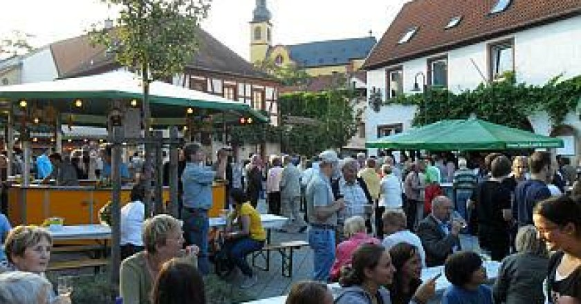 Der Sommer kommt nach Rheinhessen – rechtzeitig zum Weinfest in Nackenheim!