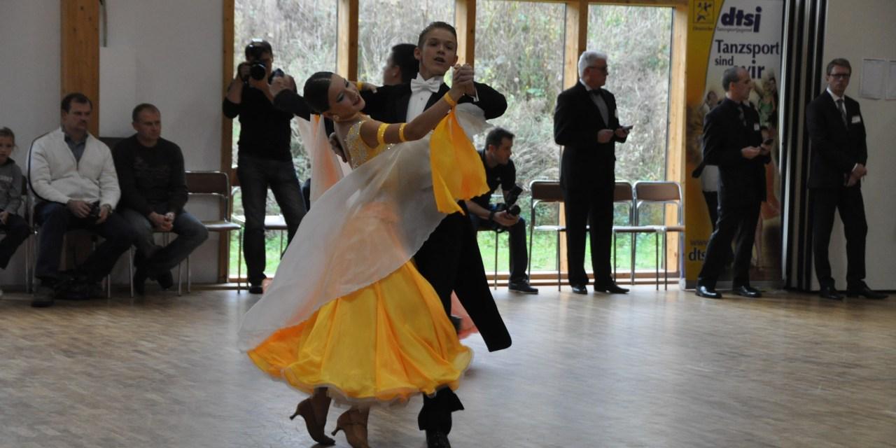 TSC Nachwuchspaar tanzt Deutsche Meisterschaft