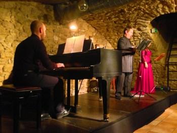 Das Trio Café Bach besteht aus Pianisten, Sopran und Bariton.