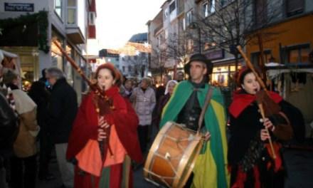 Weihnachtsmarkt Bingen mit historischem Mittelaltermarkt zur Weihnachtszeit in Bingen