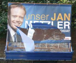 Zerstörtes CDU Wahlplakat in Nackenheim