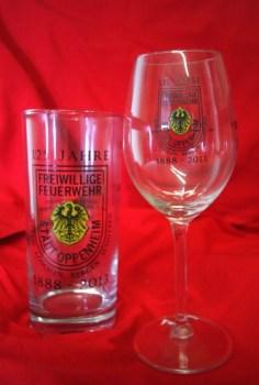 Weinfestgläser 2013 ehren die Feuerwehr.
