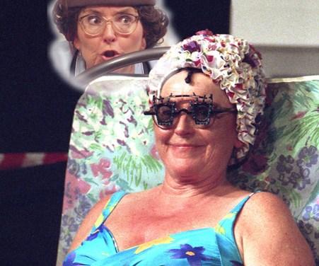 Kabarett mit Vanessa Backes – bekannt als Hilde Becker