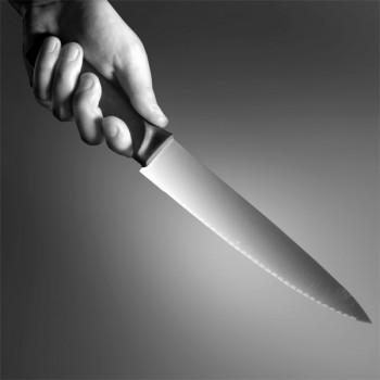 Er wollte seiner Mutter helfen: Jugendlicher verletzt Lebensgefährten mit einem Messer