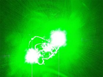 Gefährlichen Eingriff in den Luftverkehr: Flugzeuge durch Laserstrahl geblendet